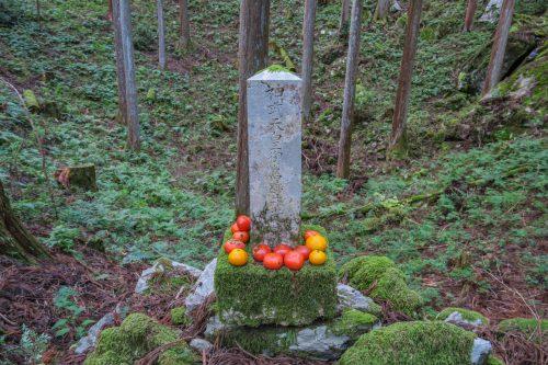 カムヤマトイワレヒコが立ち寄った跡とされる石柱